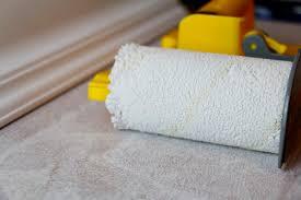 streichen und tapezieren im badezimmer fachartikel