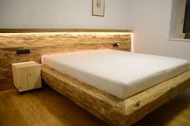zirbenbett modern suche altholz schlafzimmer