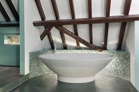 13 gelungene inszenierungen für eine freistehende badewanne