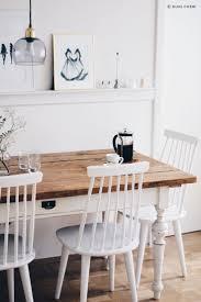 esszimmer stuehle weiss skandinavisch esszimmer weiß