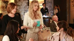 Pll Halloween Special 2014 Online by The U0027pretty Little Liars U0027 Jump Five Years Forward With A New