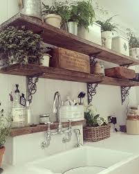 étagère en fer forgé pour cuisine très belles étagères en bois et fer forgé pour buanderie coin