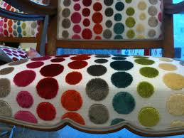 tapissier siege lecat tapissier finition tissu siège style classique clous