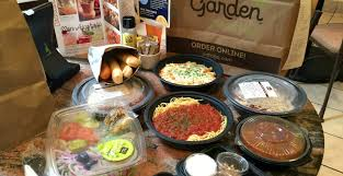 Olive Garden Fans FOUR Entrees & Breadsticks Salads ONLY $20 98