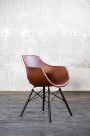 pin auf stühle