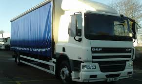 DAF CF65 Curtain-sided 18-tonner With Sleeper Cab: Commercial ...