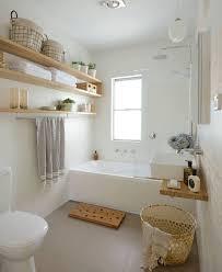 gäste toilette mit badewanne in hellen farben ähnliche tolle