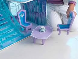 chambre la reine des neiges chambre reine des neiges unique maison de poupã es castle