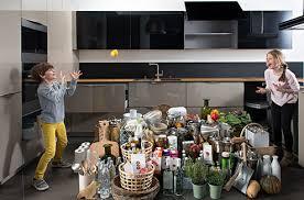 astuce pour ranger sa cuisine cuisine sur mesure les solutions pratiques pour optimiser le