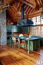 Log Cabin Kitchen Cabinet Ideas by Best 25 Log House Kitchen Ideas Only On Pinterest Log Cabin