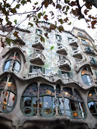 100 Antoni Architects Apartment Building In Barcelona By Gaudi One Of The Worlds