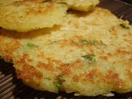 cuisiner le manioc galettes de manioc quand etienne et marilyn font la cuisine