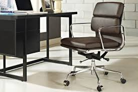 Eames Style Soft Pad Management Chair by Soft Pad Chair