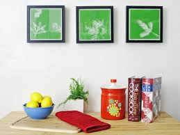 Turn Leaves And Foliage Into DIY Canvas Wall Art