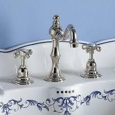 robinetterie rétro salle de bain de design unique
