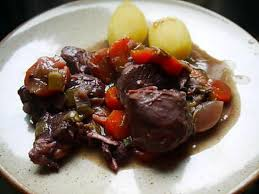 cuisiner joue de porc recette de boeuf et joue de porc au vin