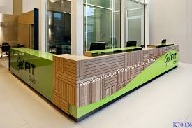 Nutural Wooden Reception Desks Modern Hotel Counter Desk With Customize Design