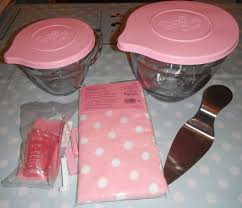 Pampered Chef Easy Accent Decorator Cupcakes by Madhouse Family Reviews Pampered Chef U0027s Pink Range U0026 Raspberry