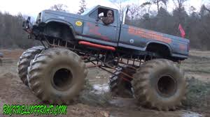 BIG FORD MUD TRUCK WITH FLOTATION TIRES!!! - YouTube