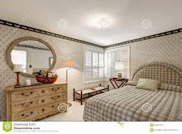 gemütliches schlafzimmerdesign in den grauen tönen