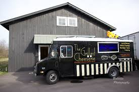 Catering Alternative: Food Truck Frenzy | Modern Vintage Events