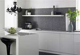credence cuisine noir et blanc cuisine blanche et moderne ou classique en 55 idées