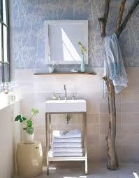 hänger für badetücher im badezimmer aus treibholz