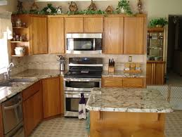 what color granite is this cabinets look like maple are they