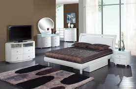 Furniture Emily Glossy White Bedroom Set 5 Pieces