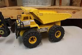 Vintage Tonka Trucks & Tractors (3)