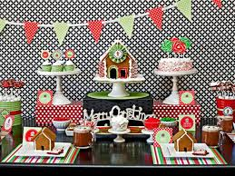 Host A Kid Friendly Gingerbread House Decorating Party Home Garden Television