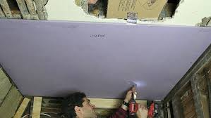 Hanging Drywall On Ceiling Or Walls First by How To Hang Drywall Ceilings By Yourself Home Repair Tutor