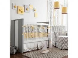 decor chambre bebe decoration jaune de chambre de bebe solutions pour la décoration