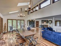Hometown Flooring Lebanon Tn by Spectacular Home On Old Hickory Lake Vrbo