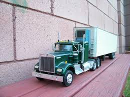 Kenworth W925 Model Truck. Built From Amt Movin On Kit. | Model Cars ...