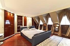 bedroom in 1st district baroque house schlafzimmer