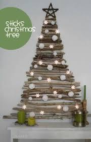 Driftwood Christmas Trees Cornwall by Hazlo Tú Mismo árbol De Navidad Con Palos Driftwood Ideas
