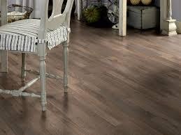Laminate Flooring LOUNGE OAK 3 STRIP By Pergo