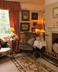 ein viktorianischer sessel und kleiner bild kaufen