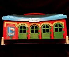 Tidmouth Sheds Wooden Roundhouse by Thomas U0026 Friends Take N Play Tidmouth Sheds Playset Ebay