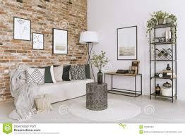 wohnzimmer mit backsteinmauer stockbild bild plakat