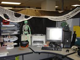 Halloween Cubicle Decoration Ideas by Cool Office Cubicle Decoration With The Halloween Theme