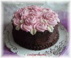 decoration patisserie en chocolat gâteau au chocolat décor de roses la cuisine de loulou
