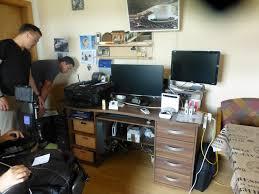 schreibtisch computer ins wohnzimmer andreas reichl