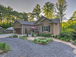 Sofa King Juicy Burger by New 3br Maggie Valley Home With Adaptive Homeaway Maggie Valley
