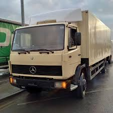 100 Mercedes 6 Wheel Truck Left Hand Drive Benz 1317 Box Lorry Cylinder Engine