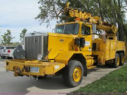 100 Derrick Trucks 1985 Volvo Autocar DC Digger Derrick Truck Item A8475