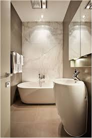 Half Bathroom Decorating Ideas Pictures by Best 25 Half Bathroom Decor Ideas On Pinterest Half Bathroom