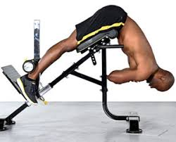 Abs Roman Chair Knee Raises by 3 Roman Chair Workouts For A Stomach And Toned Glutes