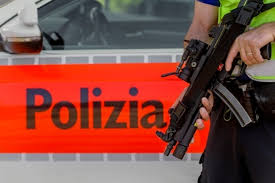 bureau de change suisse tessin coups de feu dans un bureau de change suisse faits